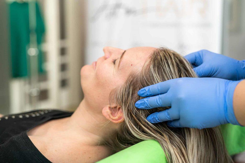 mezoterápiás hajkezelés utáni masszázs