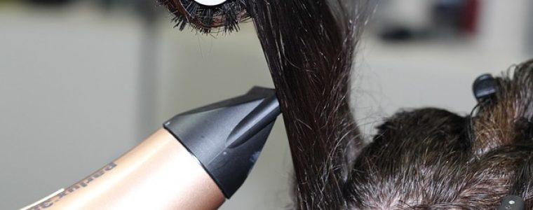 hajritkulást okozhat a túlzott hajszárítás